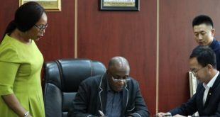 FG-signs-the-6.68b-contract-for-Ibadan-Kaduna-rail-line-e1526416783104